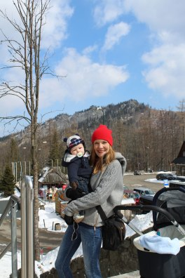 mom-and-son-mountains