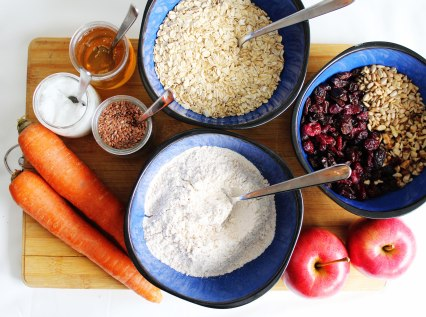 Oatmeal-Cookies-With-Apple-Carrot-Ingrediends